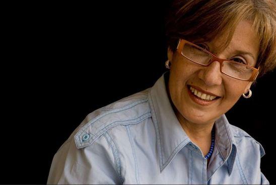 Elsy Manzanares es periodista, investigadora y escritora. Autora del libro
